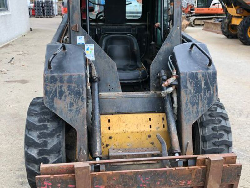 New Holland LX465 Minilæsser / skid-steer loader   - 8