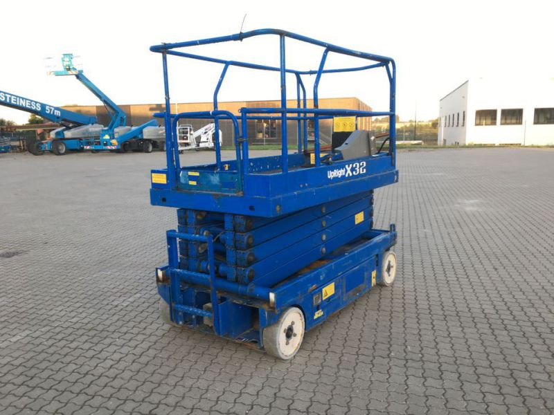 UpRight X32 sakselift / Scissor lift - 0