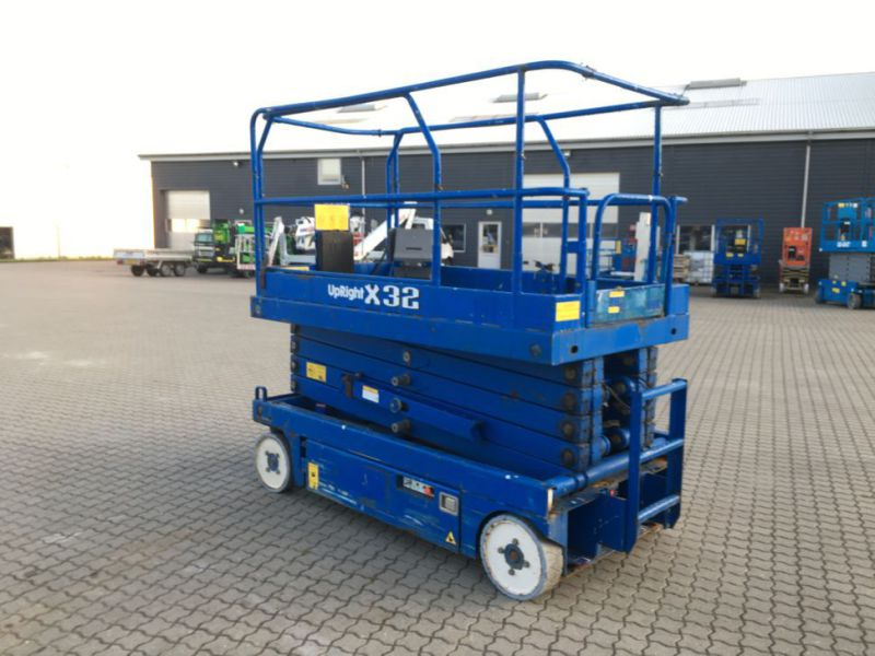 UpRight X32 sakselift / Scissor lift - 2