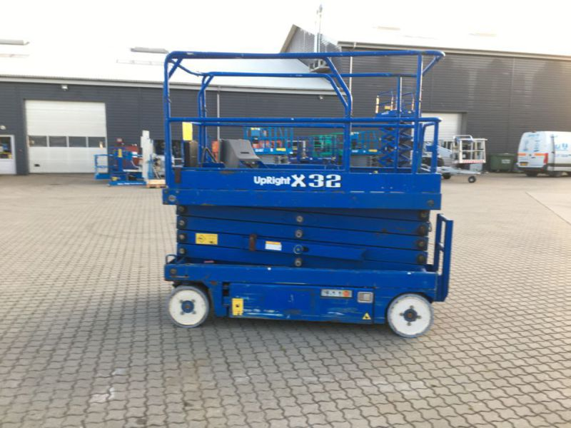 UpRight X32 sakselift / Scissor lift - 3