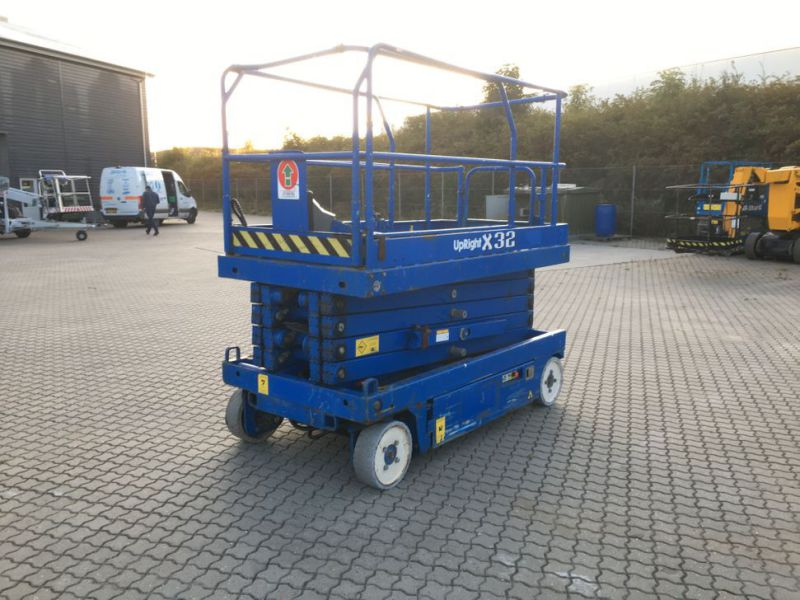 UpRight X32 sakselift / Scissor lift - 4