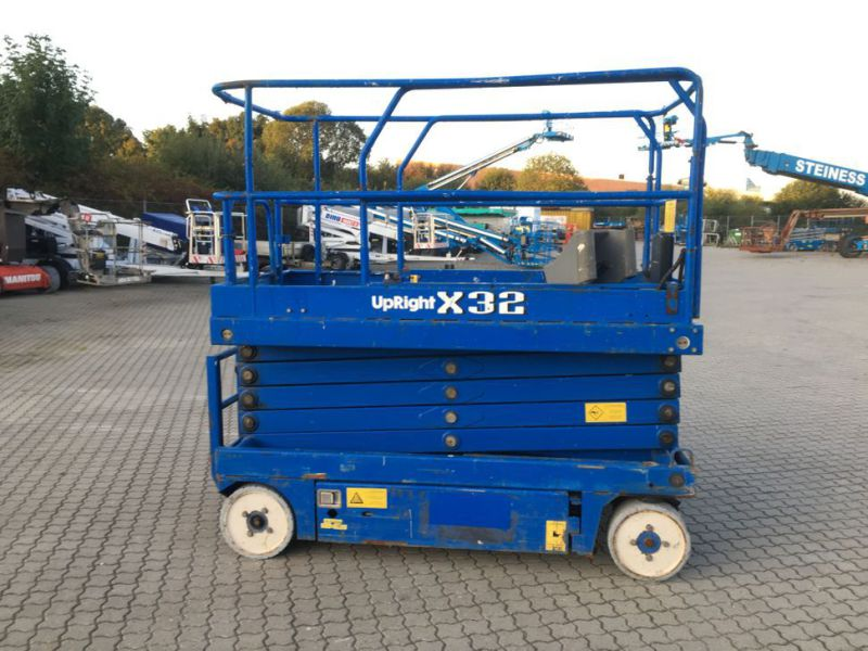 UpRight X32 sakselift / Scissor lift - 7
