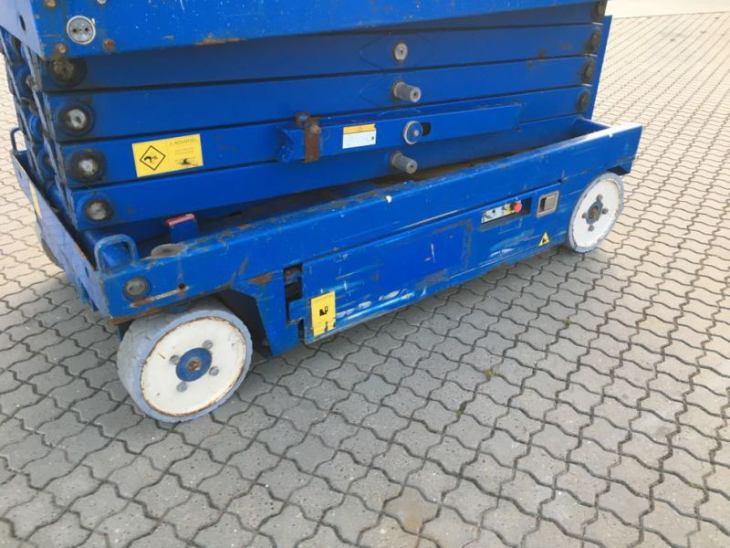 UpRight X32 sakselift / Scissor lift - 11