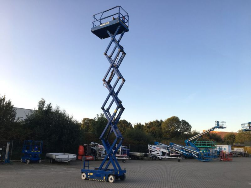 UpRight X32 sakselift / Scissor lift - 15