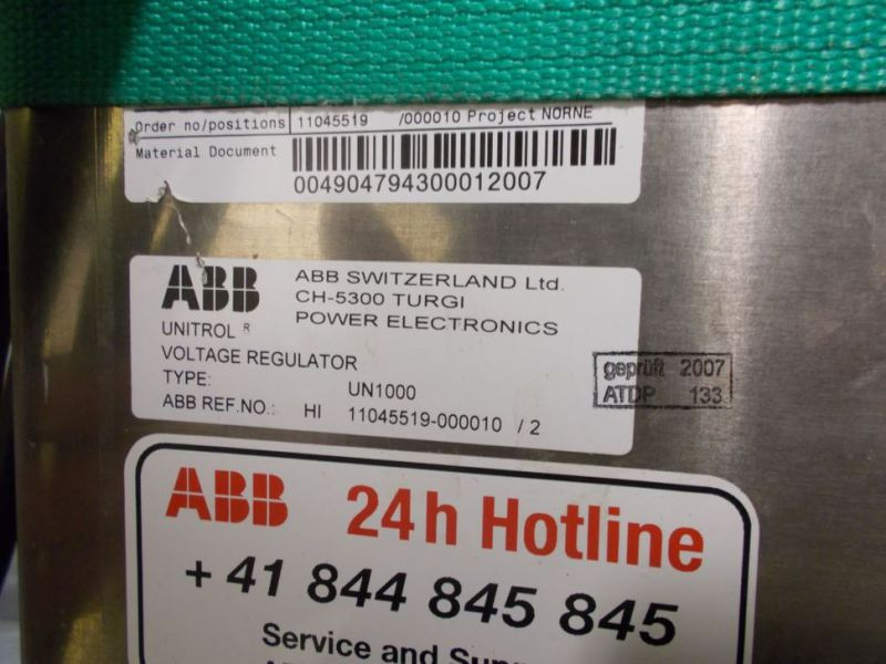 Spenningsregulatorer / Voltage regulators 2 pcs ABB - 0