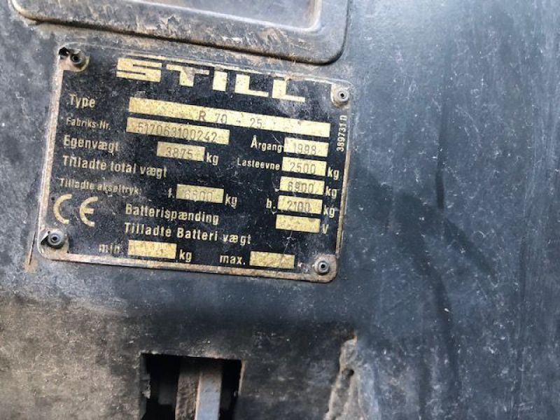 Still 2,5 tons Diesel truck / Fork lift - 13