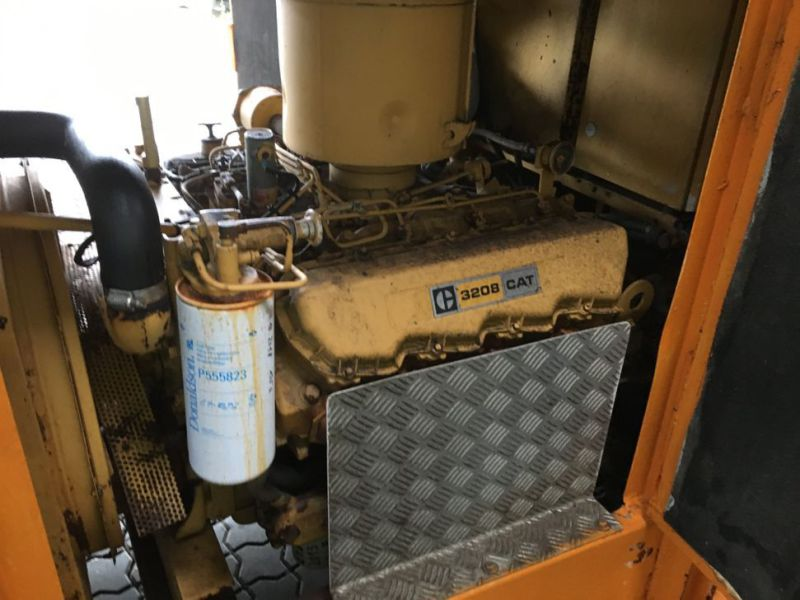 Caterpillar 3208 Prime power 80 KVA generator - 9