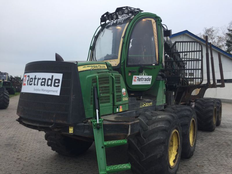 John Deere 1210E Udkørselsmaskine med kran og grap /  Forestry machine forwarder with crane and grap - 4