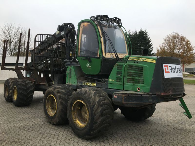 John Deere 1210E Udkørselsmaskine med kran og grap /  Forestry machine forwarder with crane and grap - 20