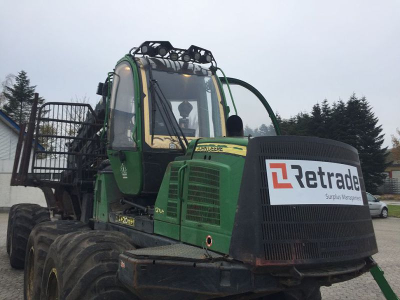 John Deere 1210E Udkørselsmaskine med kran og grap /  Forestry machine forwarder with crane and grap - 37