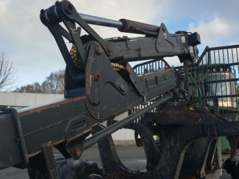 John Deere 1210E Udkørselsmaskine med kran og grap /  Forestry machine forwarder with crane and grap - 85
