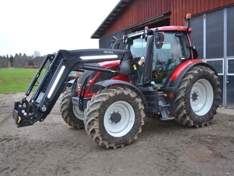 Valtra N104 Hitch med Frontlastare -2018 / Tractor 4WD - 0