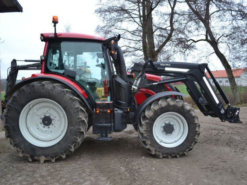 Valtra N104 Hitch med Frontlastare -2018 / Tractor 4WD - 5