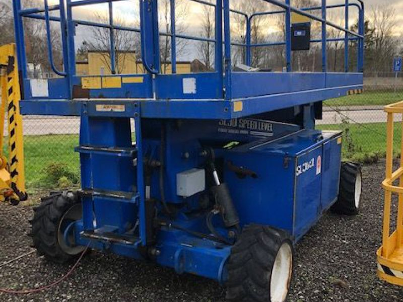 Upright Sl30 4X4 11 meter lift / Scissor lift - 1