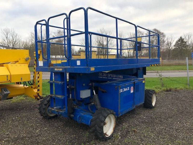 Upright Sl30 4X4 11 meter lift / Scissor lift - 18