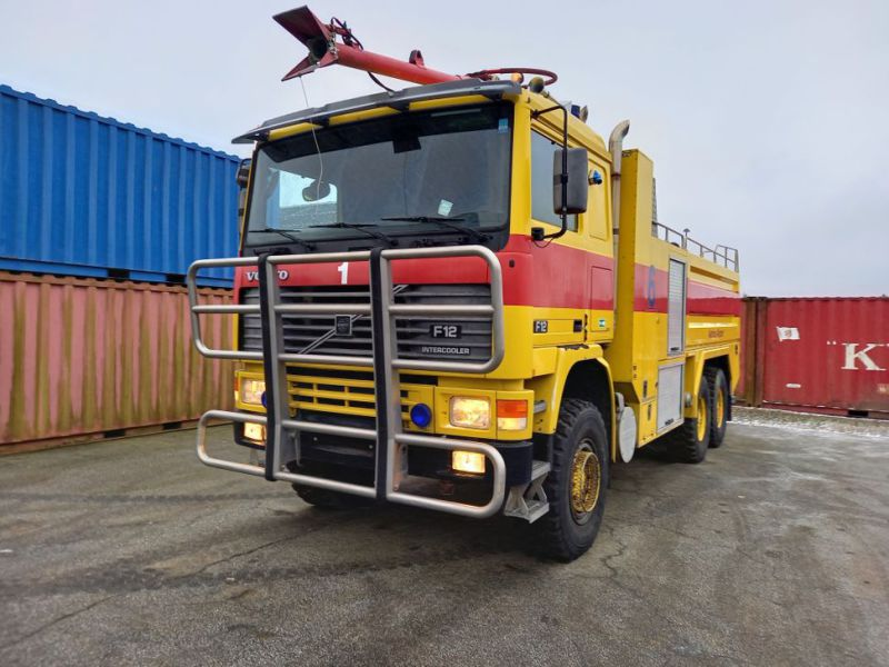 Volvo FH12 6x6 med Vandpumpe / with Water Pump - 12