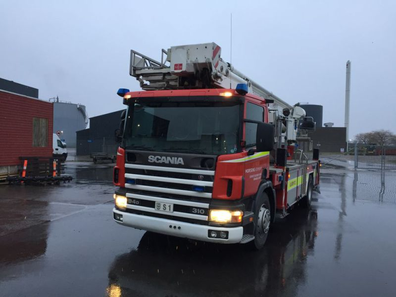 Scania P94 DB4x2 med Bronto lift / Truck with lift - 64