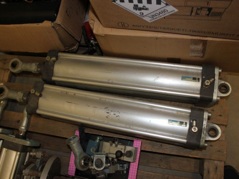 Luftcylindrar tryckluftsutrustning  Atlas Copco /  Air cylinders - 1
