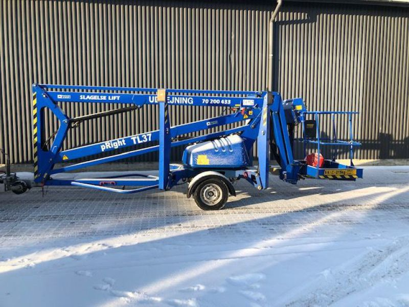 Upright TL37 trailerlift / Trailed boomlift - 1
