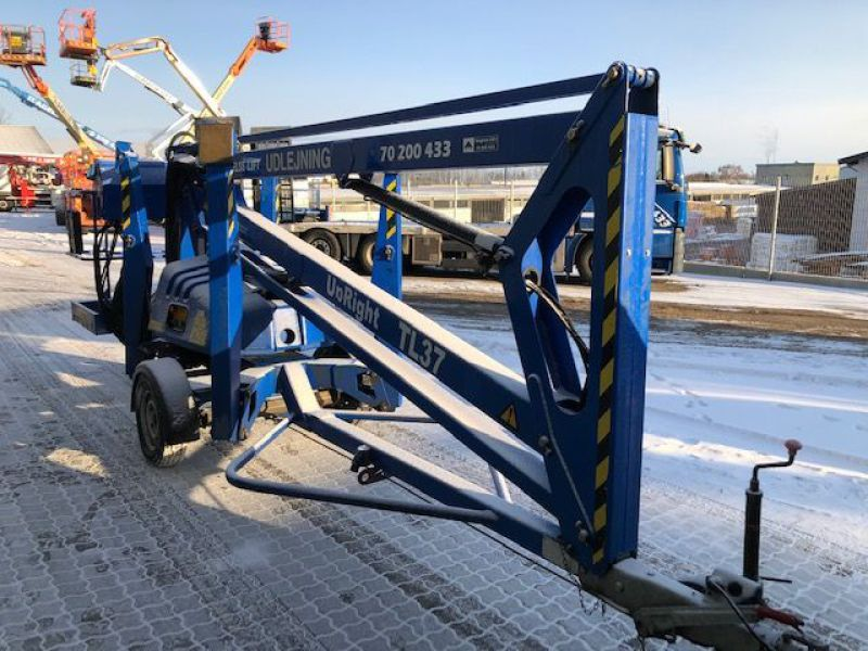 Upright TL37 trailerlift / Trailed boomlift - 12