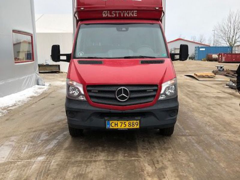 Mercedes Sprinter 516 Bluetec Van - 2