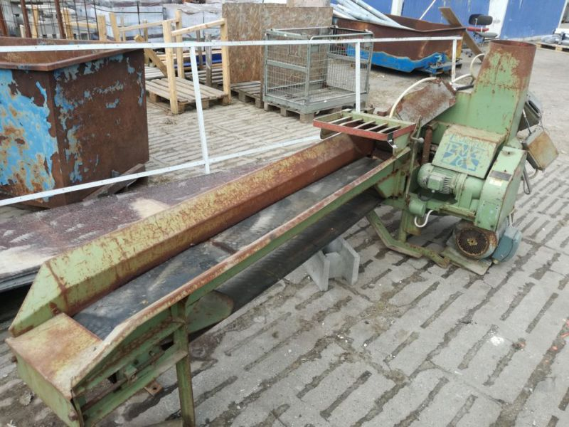 Flishugger med bånd / Wood chipper with conveyor belt - 1