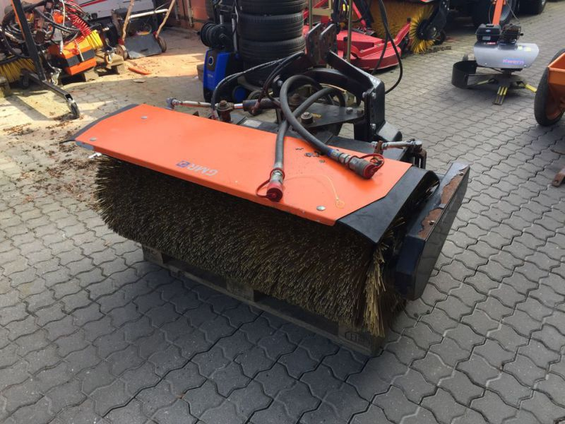 Holder B250 Redskabsbærer med saltspreder P260 / Tool carrier with salt spreader - 25