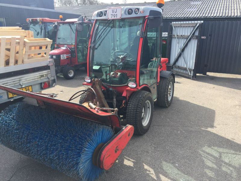 ANTONIO CARRARO SP 4400 Redskabsbærer med fejekost / Tool Carrier with sweeper - 0