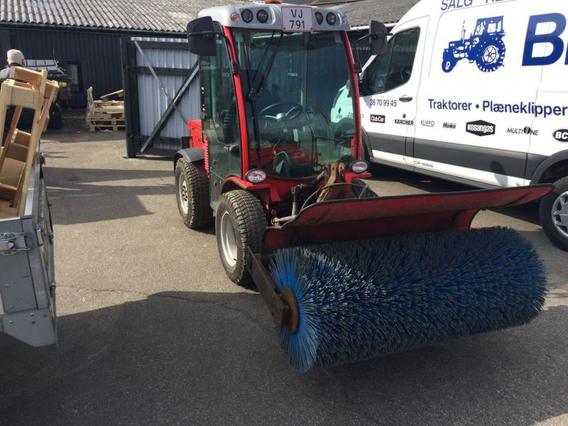 ANTONIO CARRARO SP 4400 Redskabsbærer med fejekost / Tool Carrier with sweeper - 2