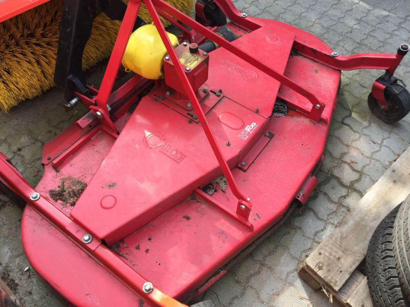 ANTONIO CARRARO SP 4400 Redskabsbærer med fejekost / Tool Carrier with sweeper - 30