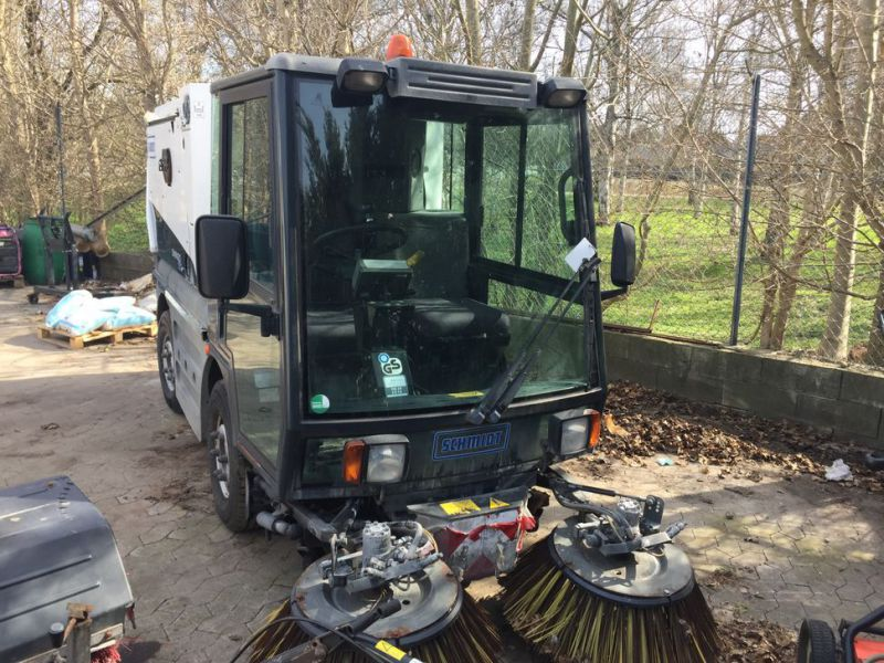 SCHMIDT Swingo 150 Feje-sugevogn / Sweeper suction truck - 0