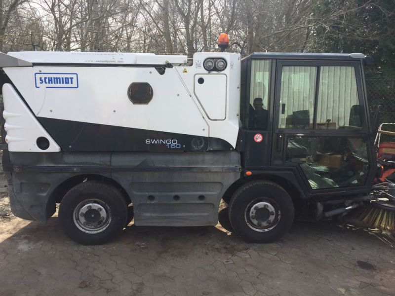 SCHMIDT Swingo 150 Feje-sugevogn / Sweeper suction truck - 5