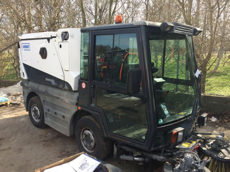 SCHMIDT Swingo 150 Feje-sugevogn / Sweeper suction truck - 29