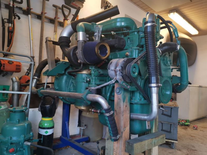 Volvo Penta 6 cylinder TD40A  incl. outdrive - 10