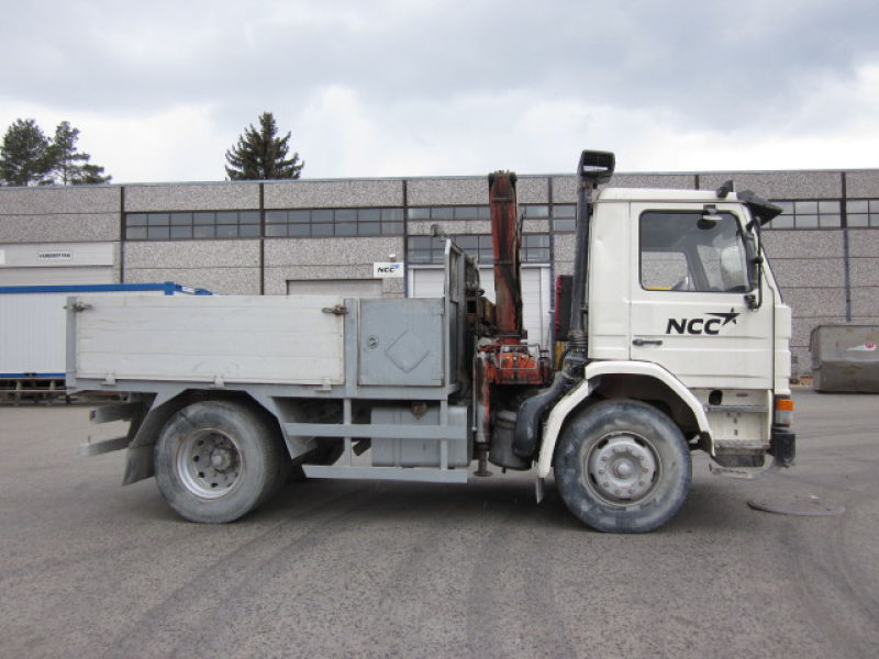 Scania P92 med Hiab 650 / with Hiab 650 crane - 0