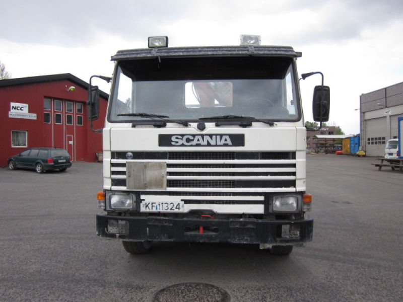 Scania P92 med Hiab 650 / with Hiab 650 crane - 2