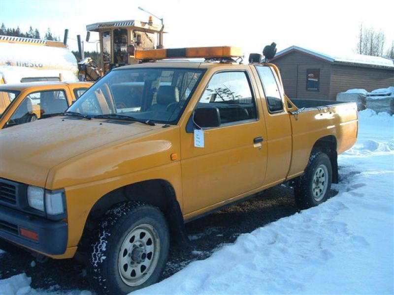 Nissan King Cab - 1