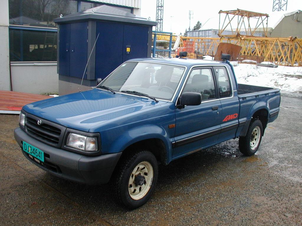 Mazda B2500 4WD til salg. På Retrade kan du købe brugt udstyr, maskiner, køretøjer og andet ...