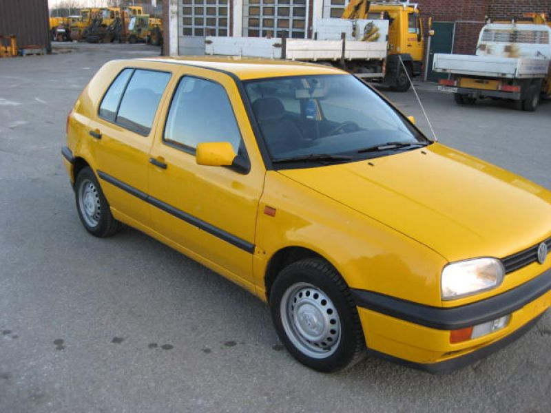VW GOLF GL - 3