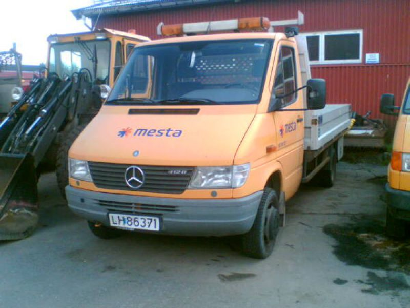 Mercedes Benz  /  412 D/35 Sprinter - 0