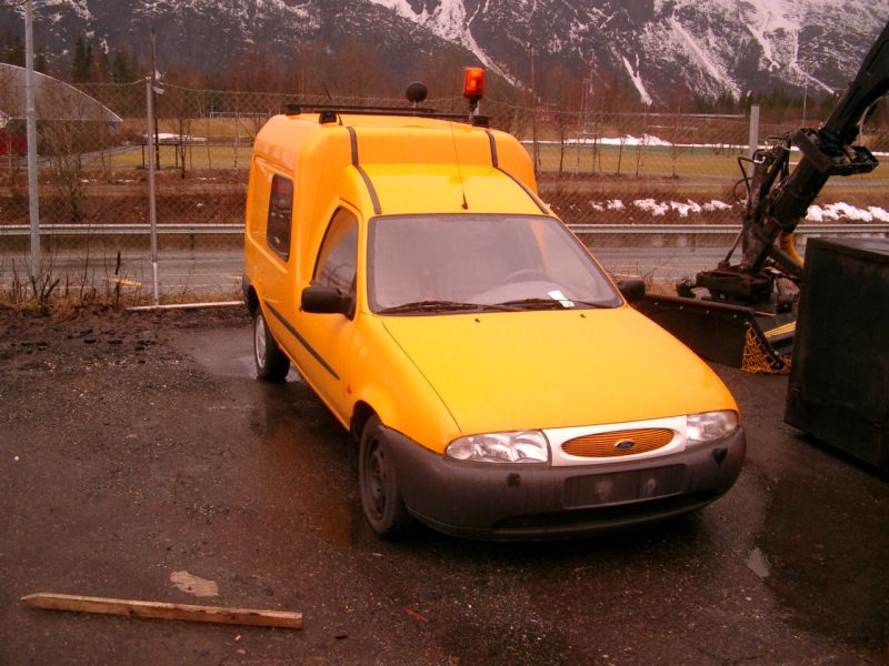 Ford Courier J3S - 1