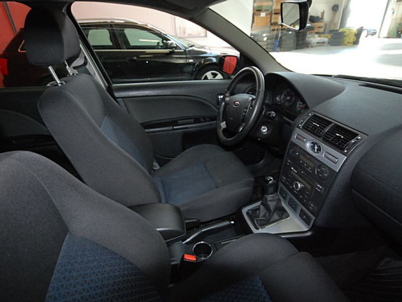 Ford Mondeo 1,8 Trend stv  - 1