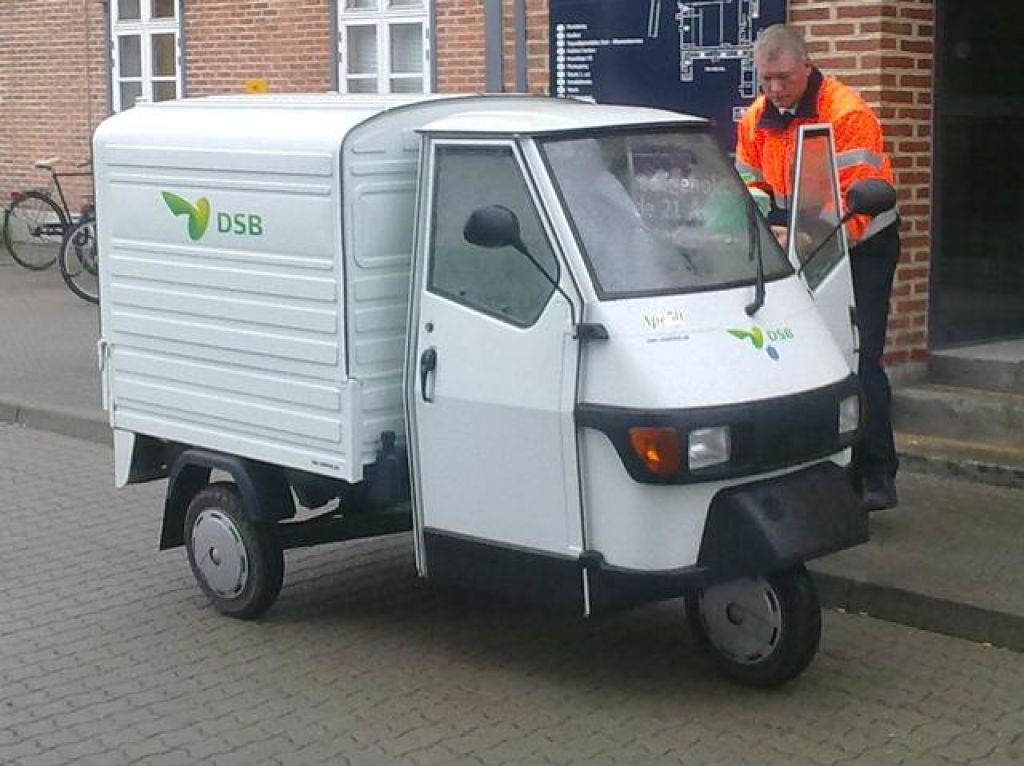 piaggio ape 50 scooter med lad for sale retrade offers used machines vehicles equipment and. Black Bedroom Furniture Sets. Home Design Ideas