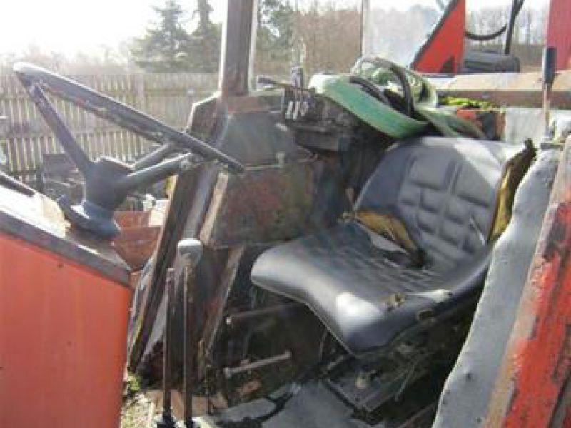 Fiat Traktor med byggelift til salg. På Retrade kan du købe brugt udstyr, maskiner, køretøjer og ...