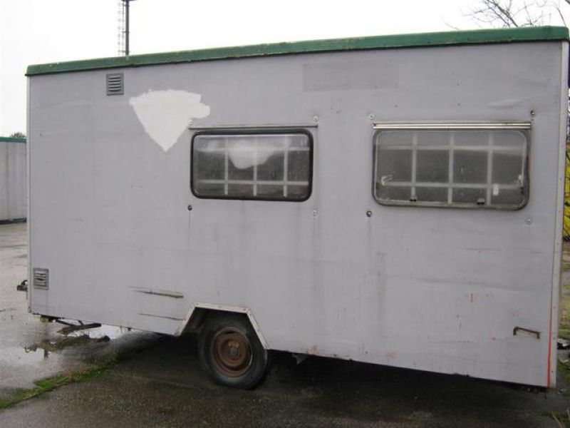 Trailer mounted site hut - 1